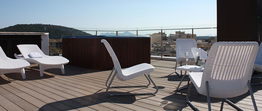 Terrassa solàrium amb jacuzzi